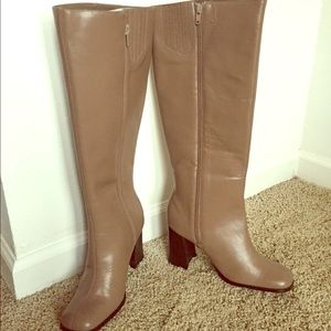 Newport News Knee high boot - BRAND NEW!!
